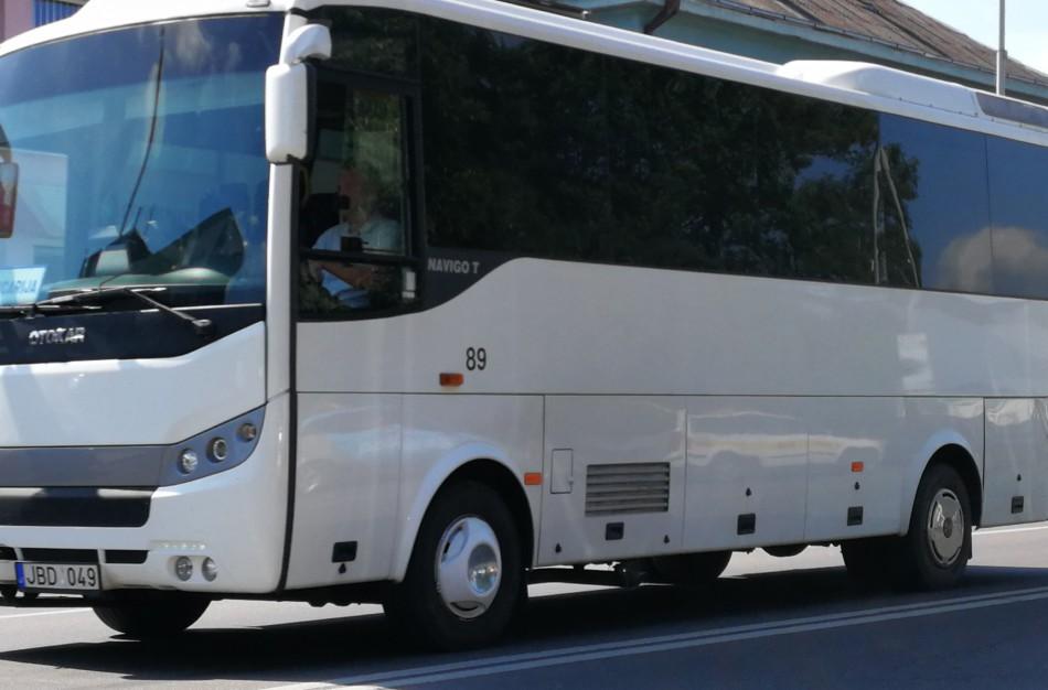 Dėl ilgesnių mokslo metų šiemet Jonavos autobusams teko kitaip koreguoti autobusų maršrutus
