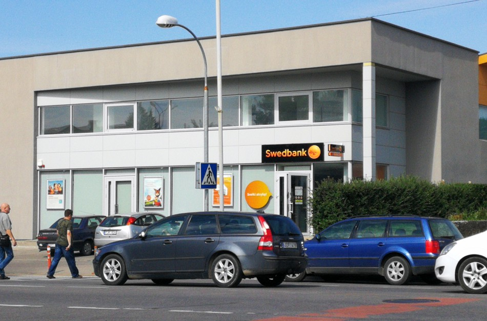 """""""Swedbank"""" klaidino klientus dėl palūkanų kainos"""