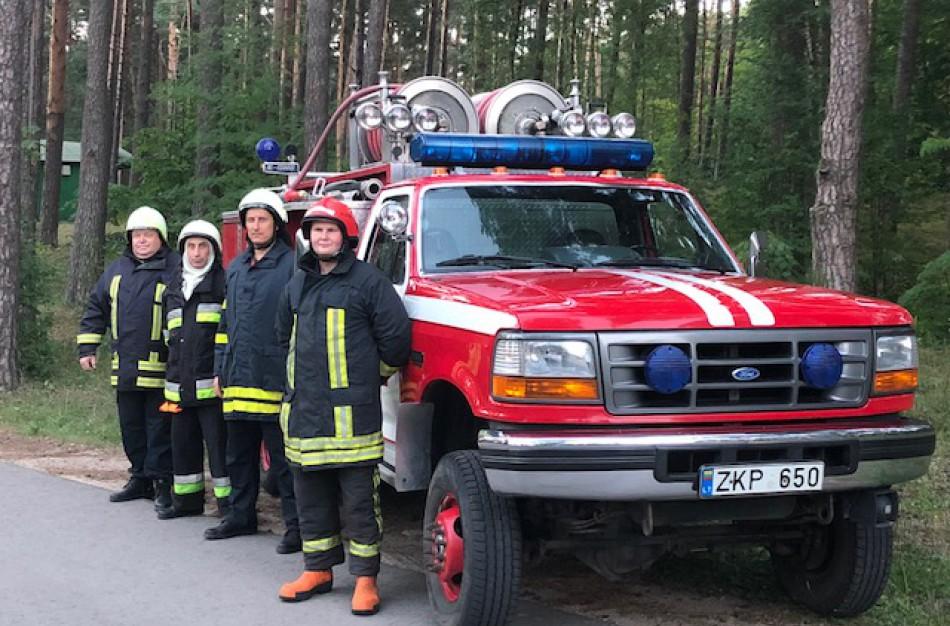 Kauno rajono savanoriai ugniagesiai skubėjo į pagalbą Jonavos rajone