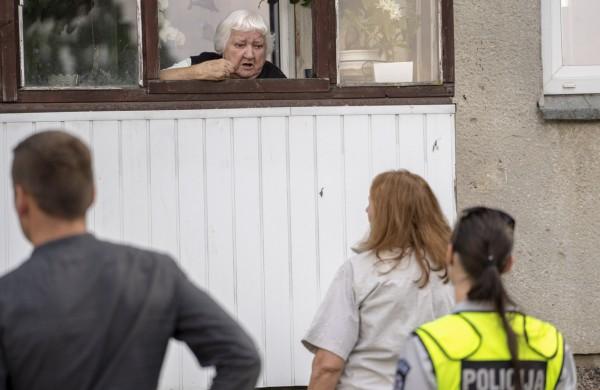 Dėl šiukšlių kaupikės kenčia ir kaimynai, ir tarnybos