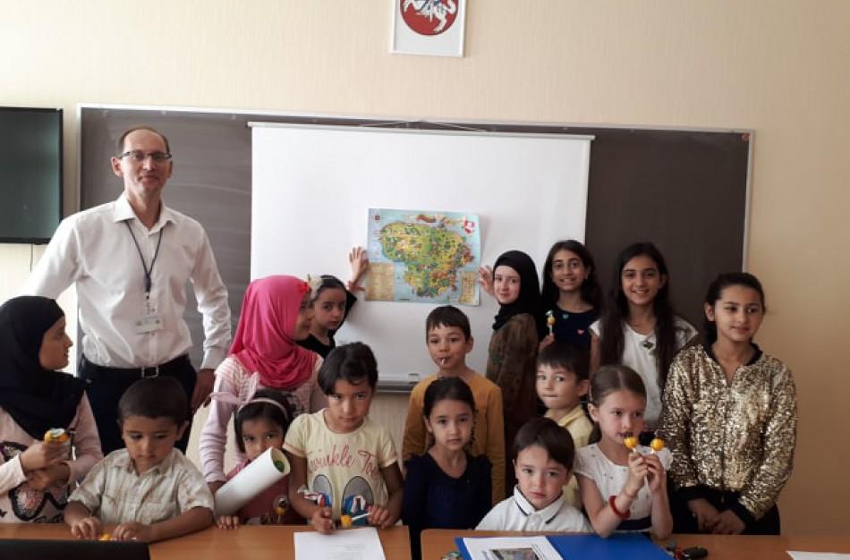 Pabėgėlių šeimose svarbus momentas – į mokyklą išleidžia vaikus