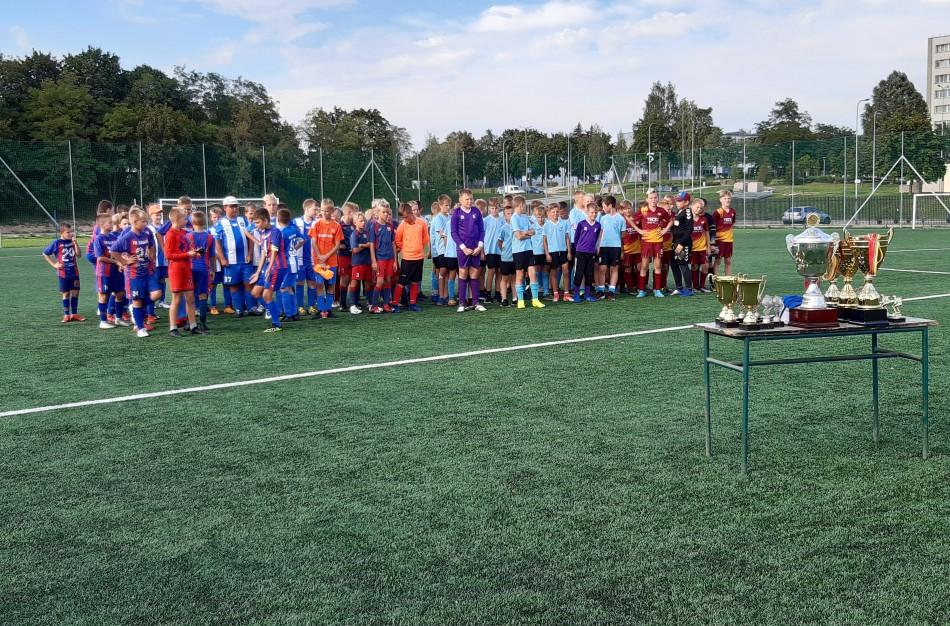 Tarptautiniame berniukų futbolo turnyre tradiciškai pagerbtas nusipelnęs Lietuvos treneris J. Labutis