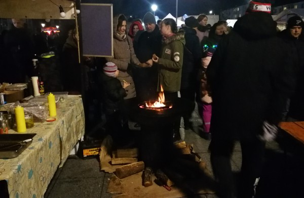 Įžiebta miesto puošmena – Kalėdų eglė