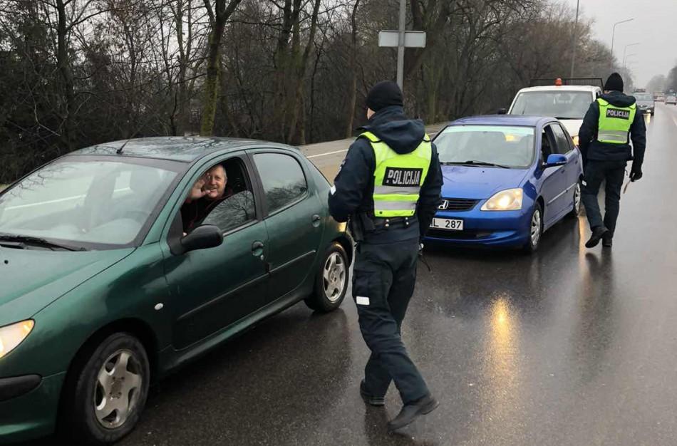 Net ir devintą kartą išrašoma bauda nesustabdo noro vairuoti