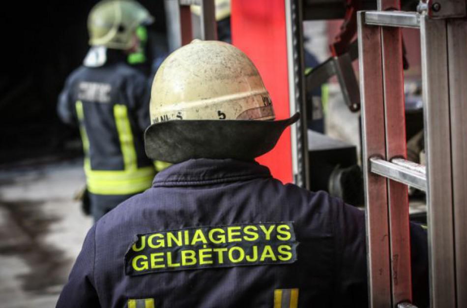 Iškvietimų ugniagesiams gelbėtojams netrūko