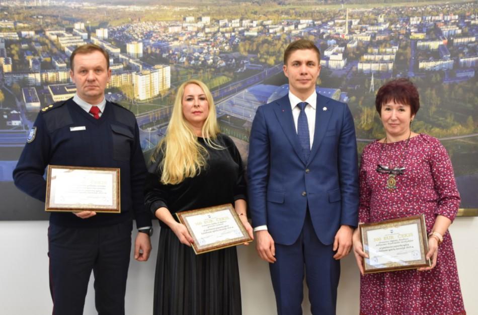 Kalėdinių eglučių miestelio autoriams - gardūs apdovanojimai