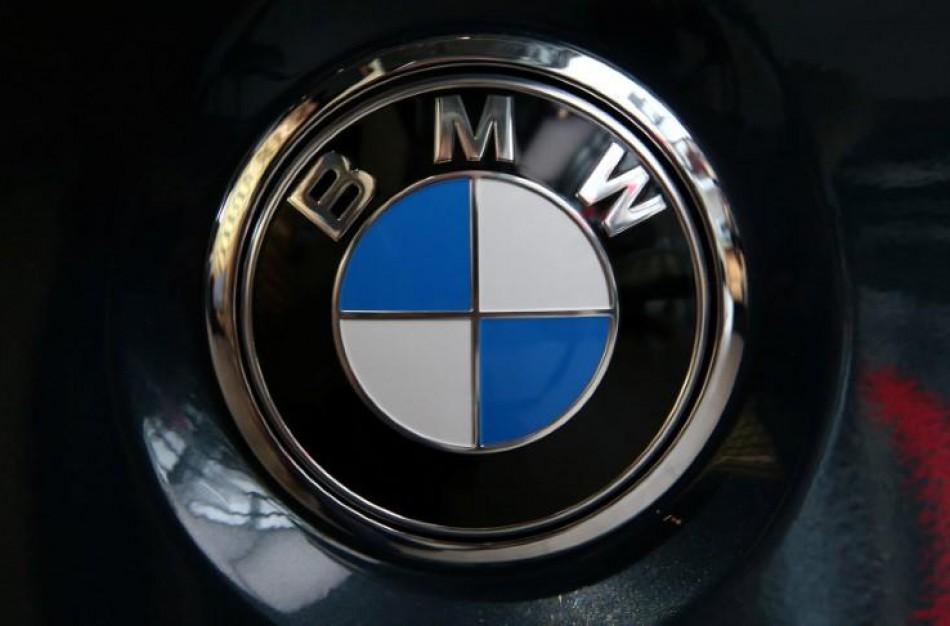 """Vagišiams """"parūpo"""" BMW automobilio viduje esantys daiktai"""