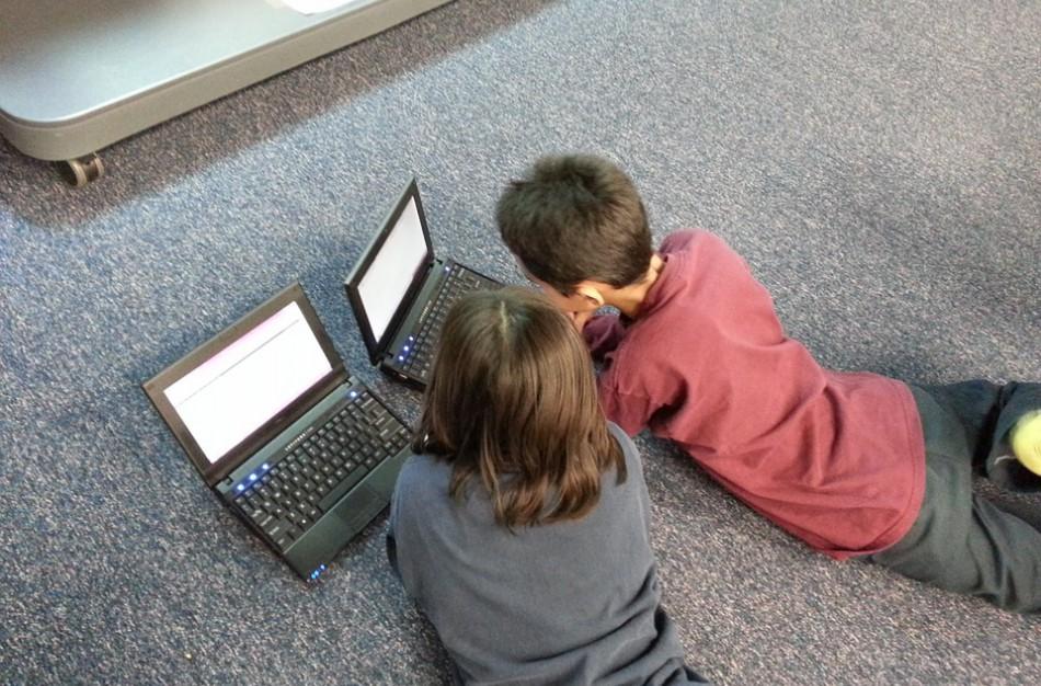 Skaitytoja: Ar mokyklos, reikalaujančios iš mokinių naudoti vaizdo skambučius, nepažeidžia įstatymų?
