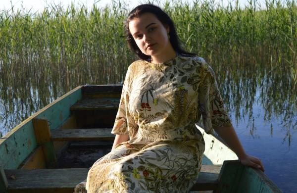 """,,Bitės bate"""" pseudonimu prisistatanti R. Venskauskaitė įrašė naują dainą: kviečiame pasiklausyti"""