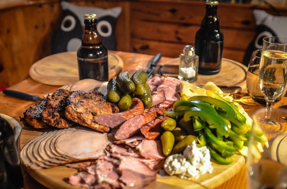 Tyrimas atskleidė – mėsos gaminių etiketėse esanti informacija vartotojams yra svarbi