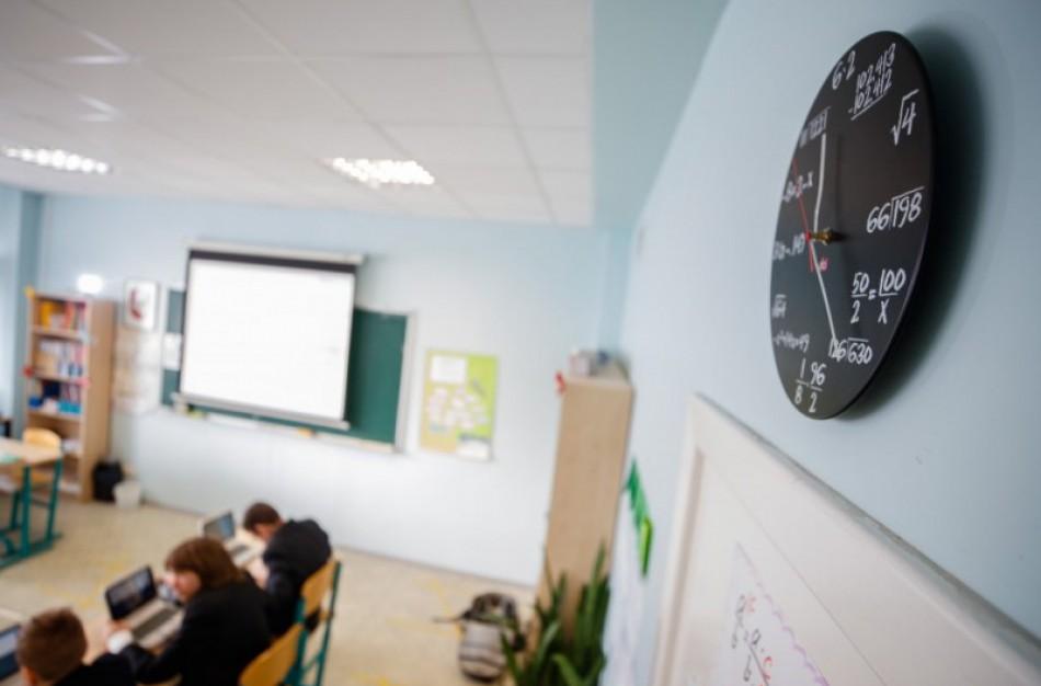 Ministras A. Monkevičius kreipiasi į mokyklų bendruomenes: susitelkę įveiksime pandemijos iššūkius