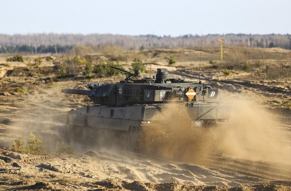 Prasidės NATO priešakinių pajėgų bataliono pratybos, keliuose judės karinė technika