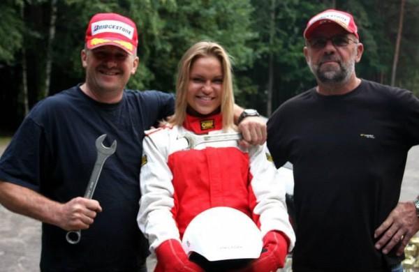 """Nuo 9-erių metų automobilių lenktynėse dalyvaujanti G. Aleksynaitė: ,,Kartą paragavęs šio sporto, nebegali sustoti"""""""