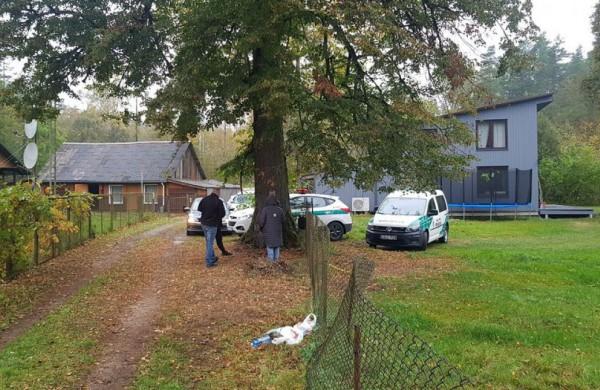 Daugintojai Jonavos rajone: laikė šunis narvuose, be vandens, sergantiems nesuteikė veterinarinės pagalbos