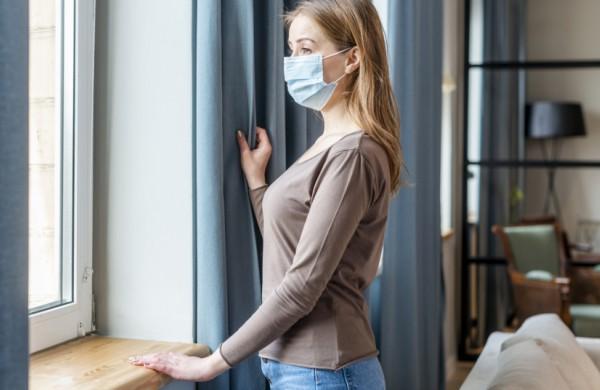Gydytojai kreipiasi į šalies visuomenę, prašydami virusui plintant pagyventi ramiau