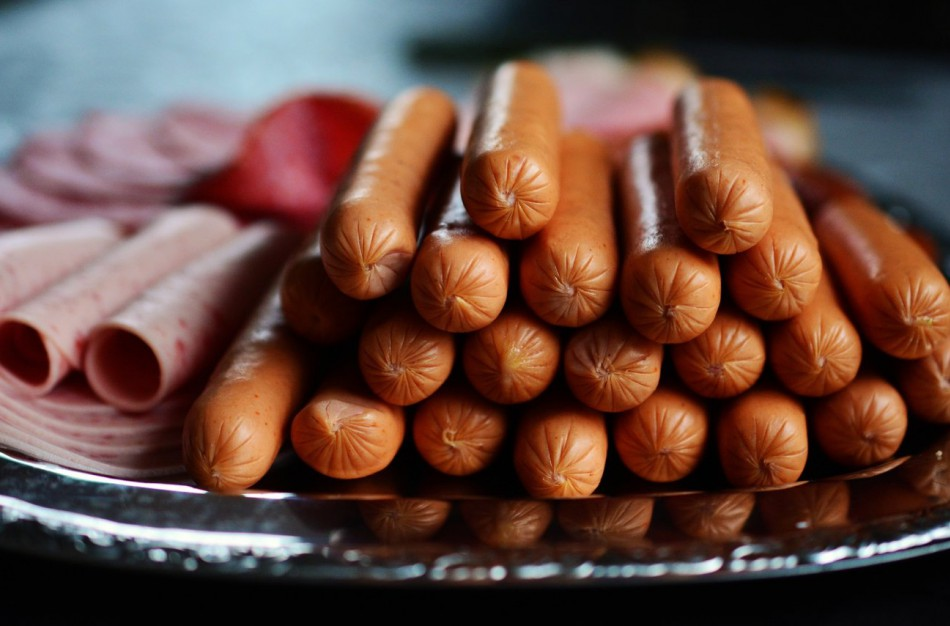 """Teismas patvirtino: UAB ,,Samsonas"""" mėsos gaminių reklama klaidino vartotojus"""