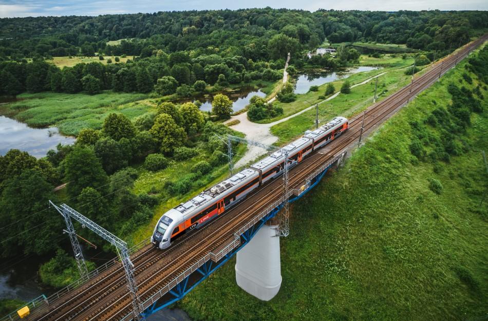 Kaip keisis kelionės traukiniais, dalyje savivaldybių įvedus lokalų karantiną?