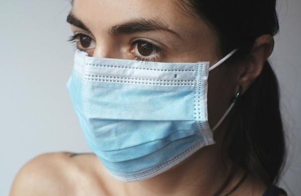 ULAC medikai primena: kaip tinkamai dėvėti kaukę?
