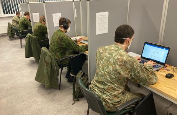 Nacionaliniam visuomenės sveikatos centrui Lietuvos kariuomenės parama padidėjo iki 50 karių