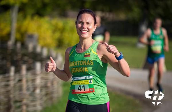 """11 maratonų įveikusi L. Dapkuvienė: ,,Jonava – bėgikams patrauklus miestas"""""""