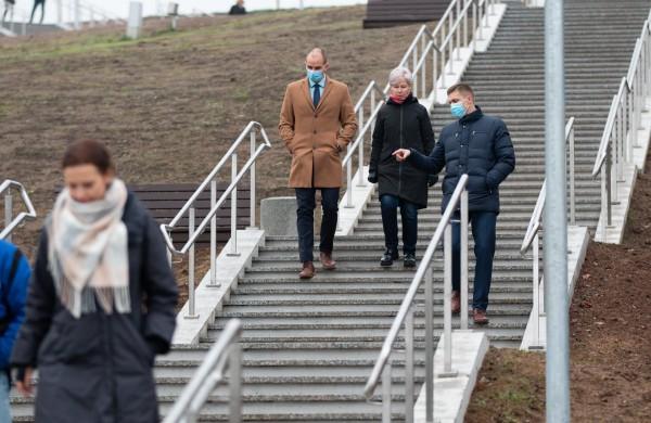 Jonavoje atidarytas naujas pėsčiųjų takas – laiptai į Rimkus
