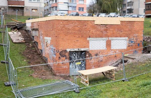 """""""Jonavos vandenys"""" pradėjo remontuoti įrenginių pastatą Rimkuose"""