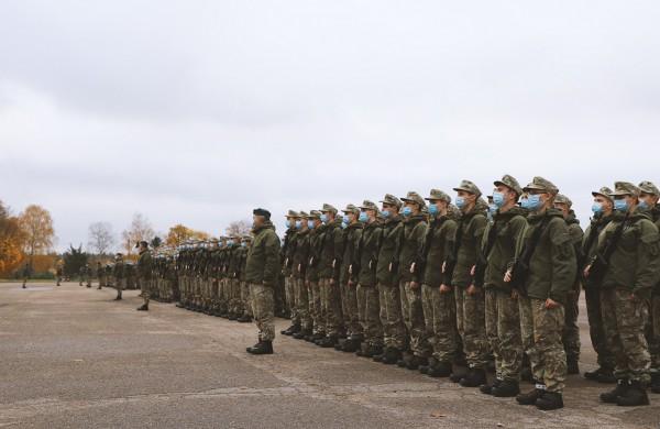Karantino metu keičiasi karo prievolininkų aptarnavimo tvarka