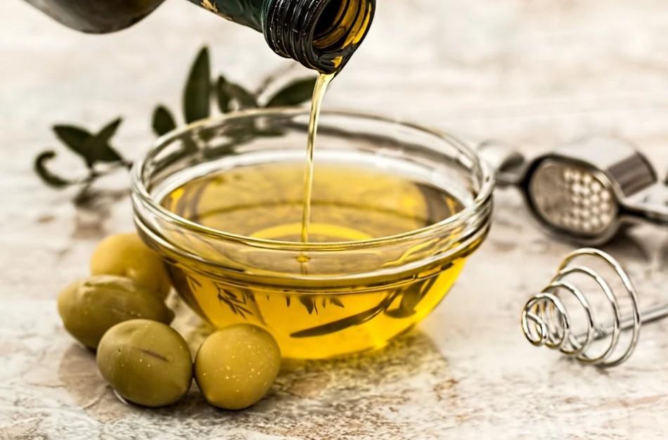 Dažniausiai prekyboje aptinkamos maisto klastotės – aukščiausios kokybės alyvuogių aliejus