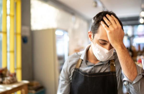 Darbuotojai verčiami vykdyti neteisėtus darbdavių reikalavimus?
