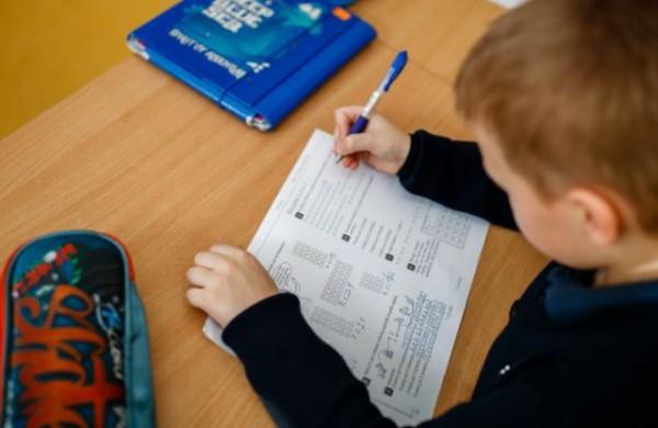 """Skaitytojas Vytas:,,Sprendimas, kad dalis vaikų turi grįžti į mokyklas - nelogiškas"""""""