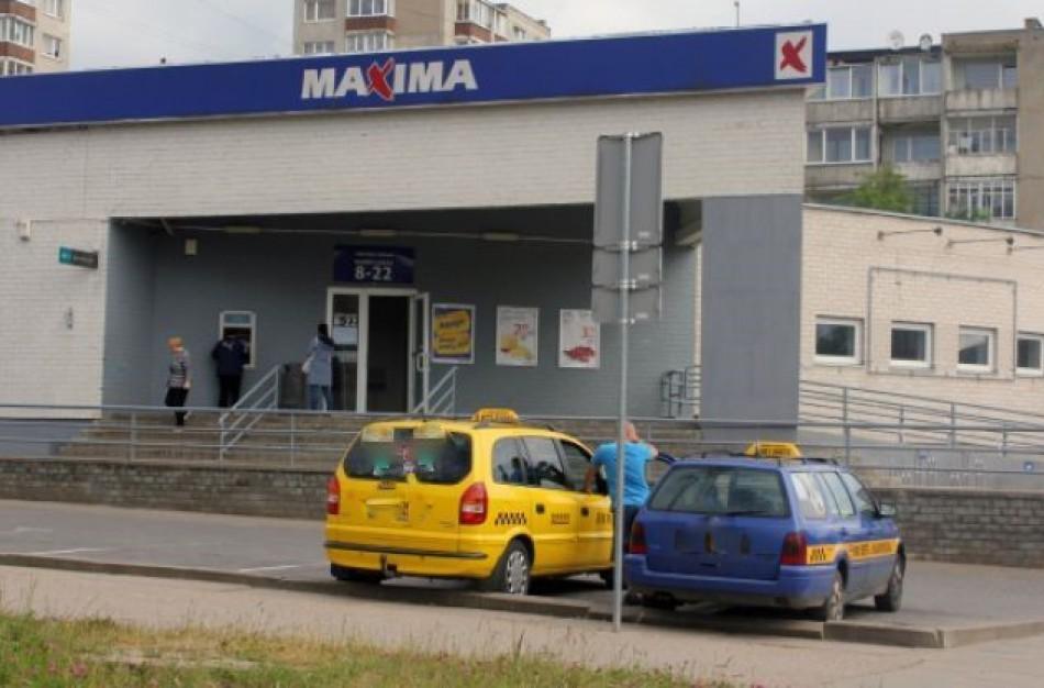 """Jonavietė: darbuotojams susirgus koronavirusu, """"Maxima"""" slepia informaciją"""