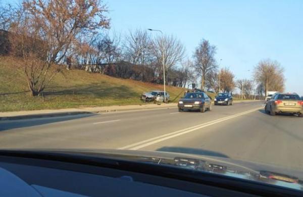J. Basanavičiaus gatvėje - trijų automobilių susidūrimas: vienas vairuotojas - neblaivus
