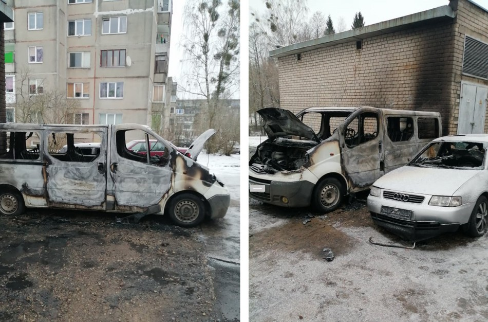 Rukloje degė du automobiliai, Rimkuose – skalbimo mašina