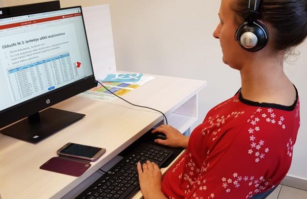 Suaktyvėjus elektroninei prekybai, vyresni šalies gyventojai dar neskuba apsipirkti internetu