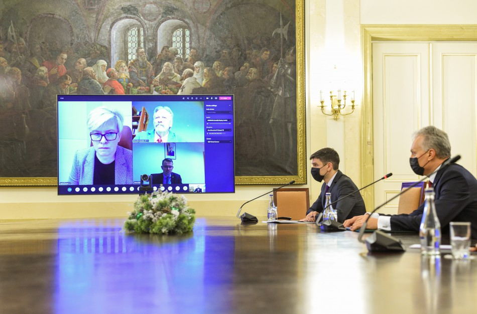 Sveikatos ekspertų taryba: vakcinos greitai pasieks Lietuvą, dabar svarbiausia – atsakingas pasirengimas skiepijimo procesui