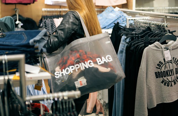 Dauguma apklausoje pasisakiusių jonaviečių nebuvo nusiteikę šturmuoti parduotuves