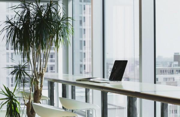 NVSC: privalo būti užtikrinta, kad darbovietėse rizikingą sąlytį turėję darbuotojai būtų laiku izoliuoti