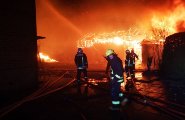 Ugniagesiai apie šventes: žūtys ugnyje, liepsnojantys namai ir išaugusi kitų nelaimių rizika