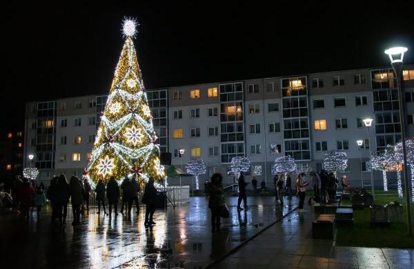 Naujų metų išvakarėse bus išjungta Kalėdų eglė