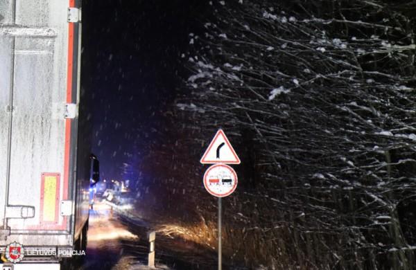 Policija primena: žiemiški orai sunkina dalyvavimą eisme