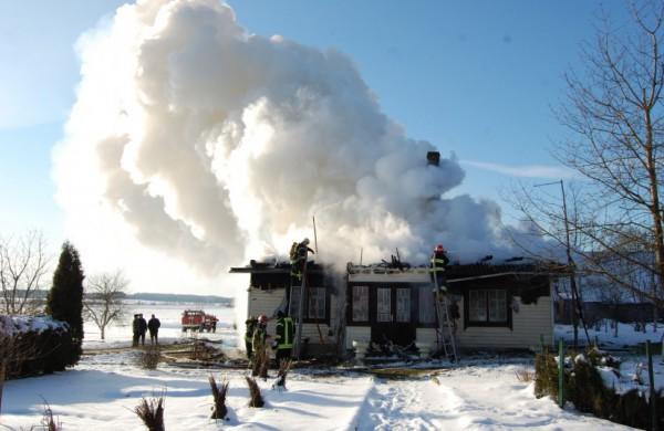 Ugniagesiai gelbėtojai: būkite saugūs atšalus orams