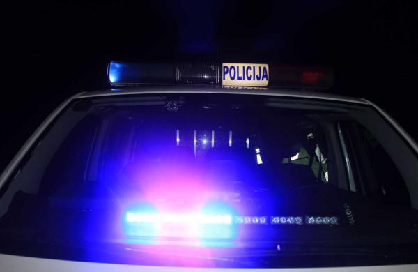 """Žemaitės gatvėje pareigūnų sustabdyto automobilio keleivių kelionė ,,pabrango"""": nustatyta karantino pažeidimų"""