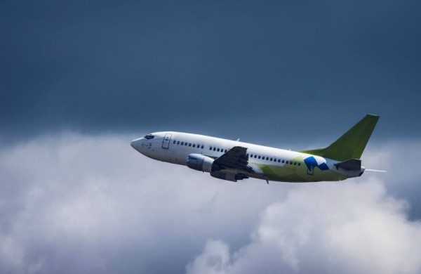 Lietuvos oro uostai primena: keleiviai turi pasirūpinti pažymomis dėl COVID-19 testo ne tik lietuvių kalba