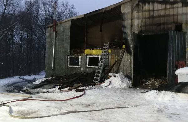Rukloje degė medienos apdirbimo įmonė: padaryta nemenka žala