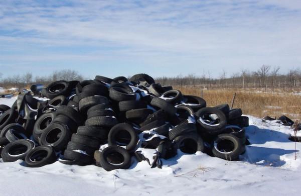 AAD pernai patikrino 370 ūkio subjektų, kurių veikla susijusi su padangų atliekų tvarkymu