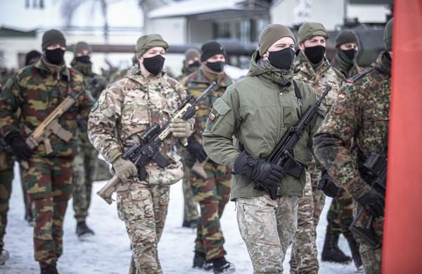 Rukloje vyko NATO priešakinių pajėgų bataliono kovinės grupės vadų pasikeitimo ceremonija