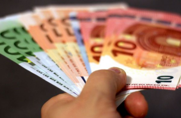 Antrojo paketo subsidijos: labiausiai nukentėjusiems verslams bus paskirstyta 70 mln. Eur