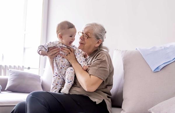 Gydytoja perspėja: anūkų nešiojama infekcija gali pražudyti senelius
