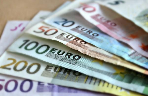 Pirmoji išmoka medikų priedams už sausį – 12,7 mln. eurų