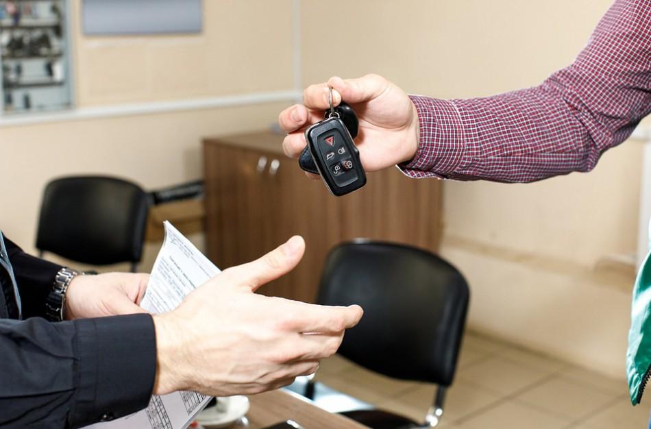LAT: sudaryta automobilio pirkimo–pardavimo sutartis nepatvirtina pinigų sumokėjimo fakto